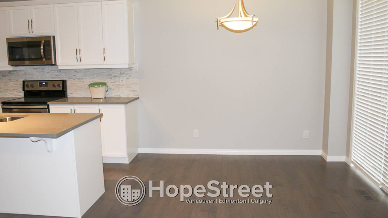 3 BR House for Rent in Airdrie w/ Attached GARAGE!