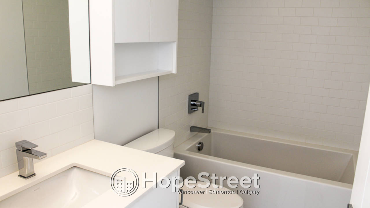 Brand New 1 Bedroom Condo for Rent in University District