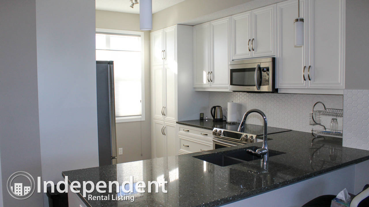 3 Bedroom Townhouse w/ Double Garage for Rent in Nolan Hill.