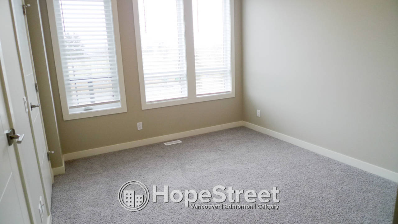 2 Bedroom MODERN Townhouse for Rent in University District