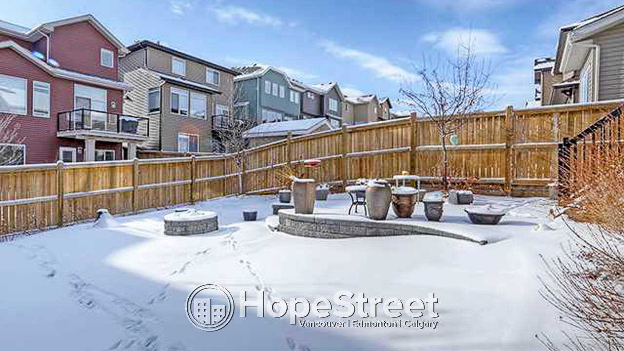 4 Bedroom House for Rent in Aspen Woods: First Two WEEKS FREE!