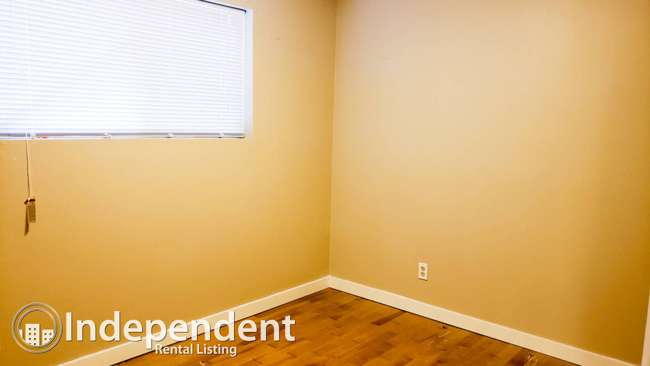 Unique Inner City 3 Bd + Office Duplex for Rent in Highland Park