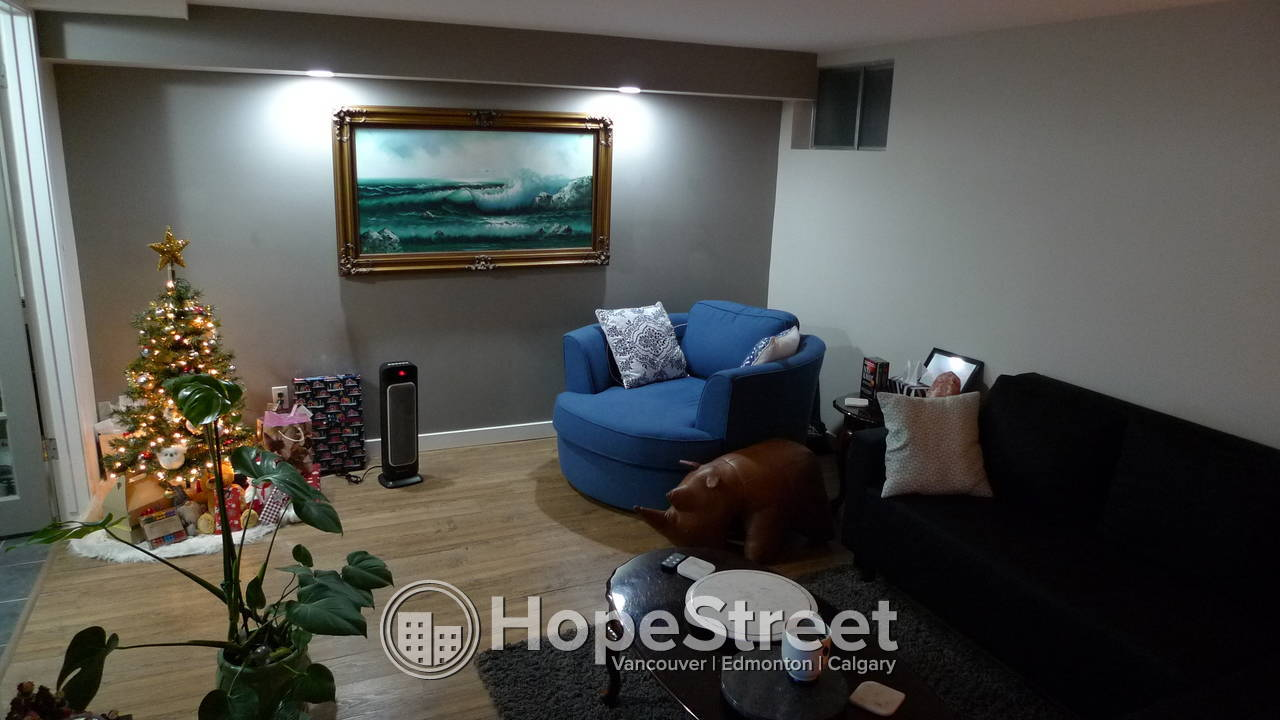 Large 3 bedroom lower suite with Utilities and Internet included - Richmond