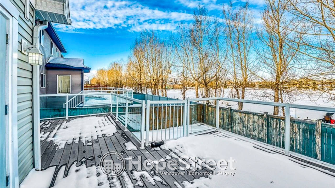 *Special Offer* 6 Bd House for Rent in Chestermere: Pet Friendly