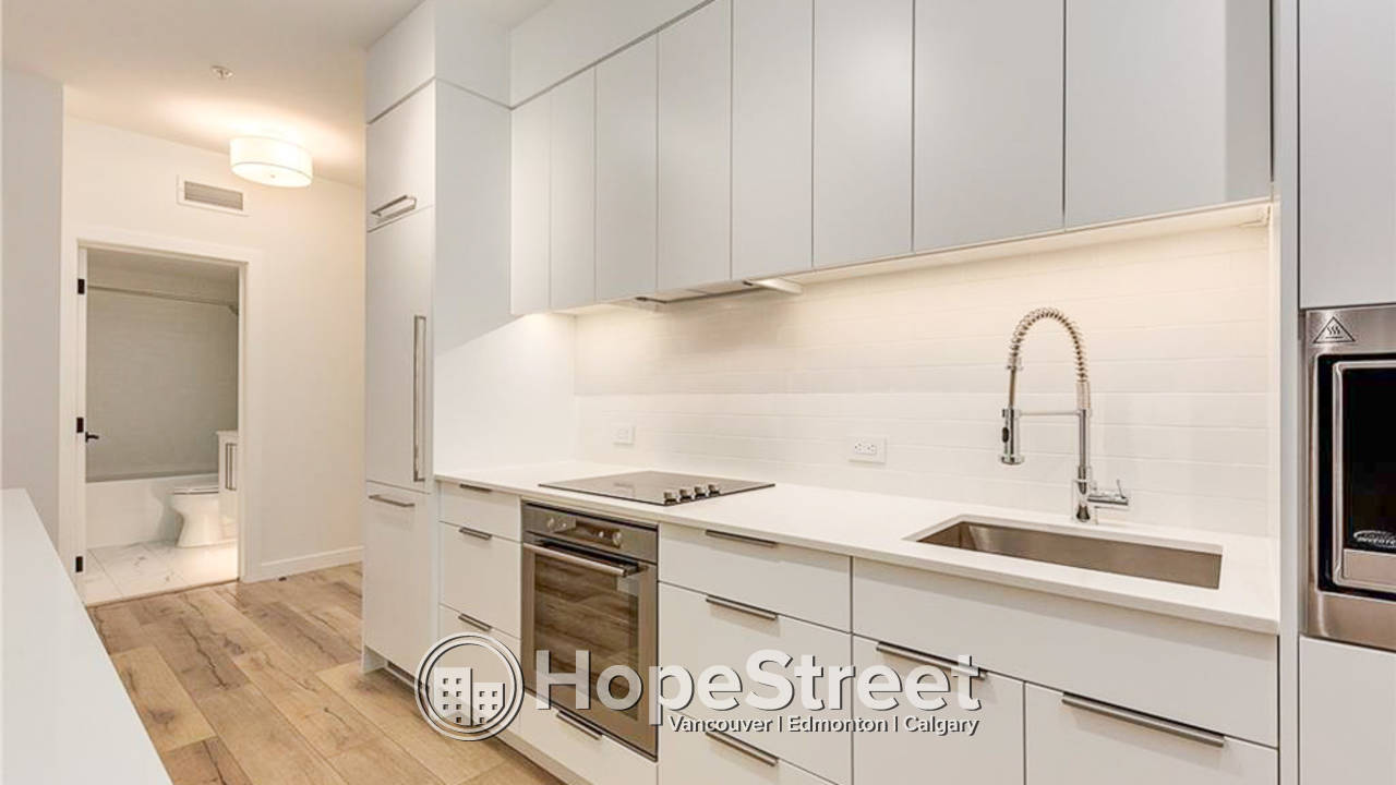 1 BR Condo for Rent in University District w/ UNDGR. Parking