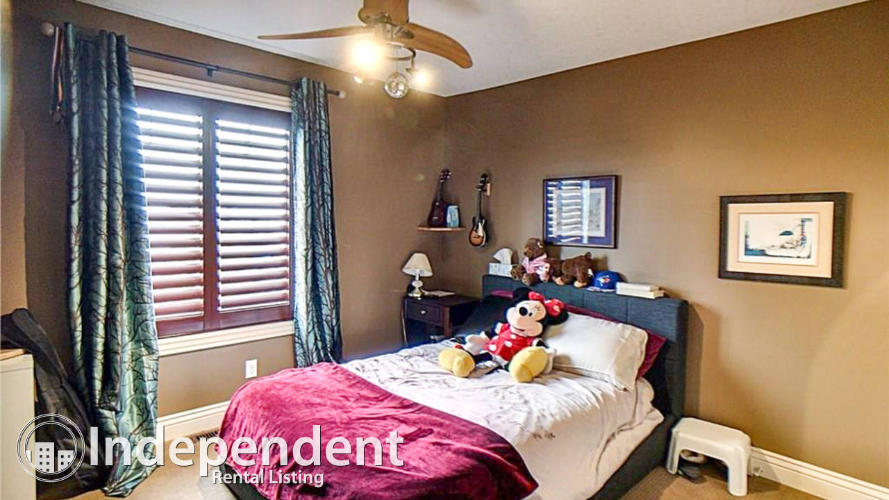 Beautiful & Desirably Located 5 Bd House for Rent in Panorama Hills: Pet Negotiable