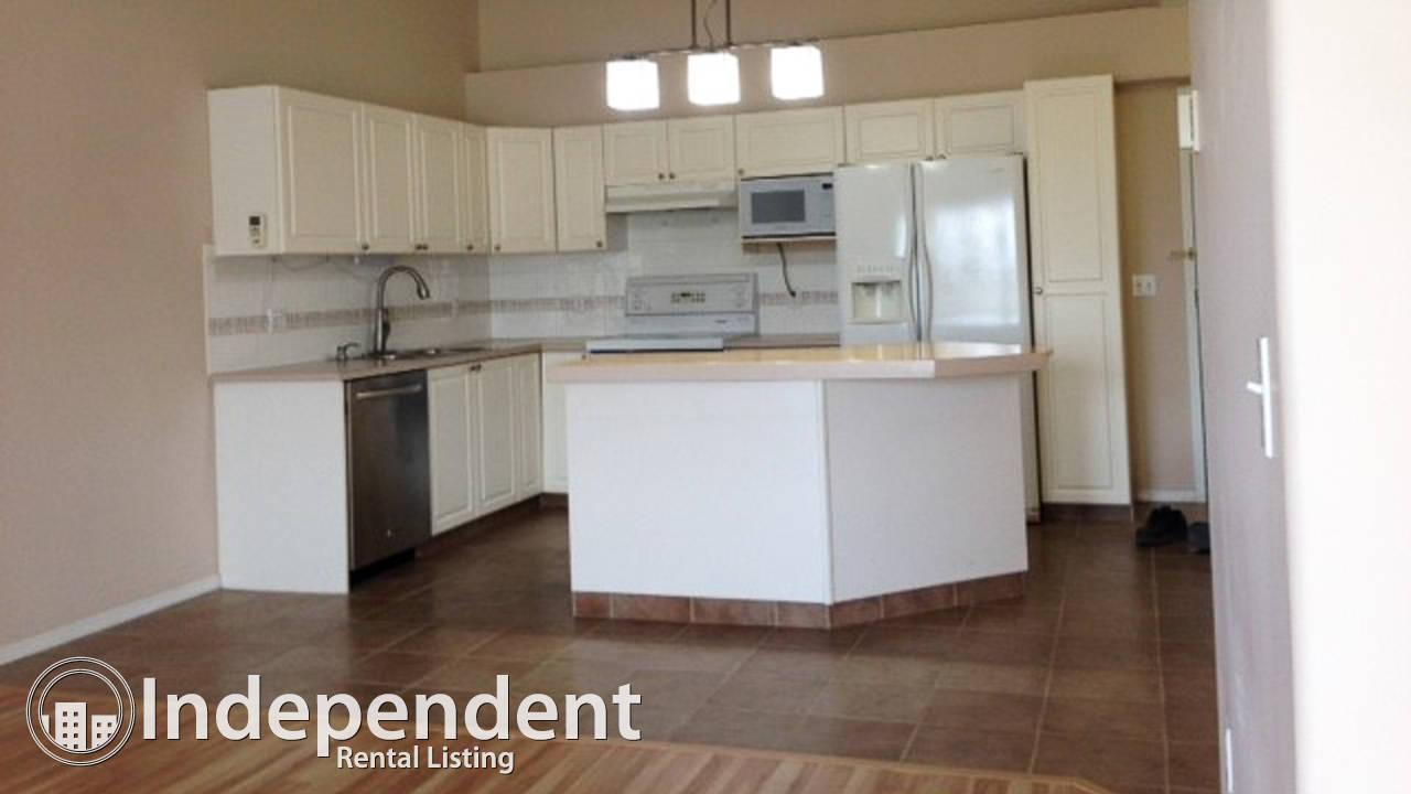 Cozy top floor unit for rent in Glenbrook