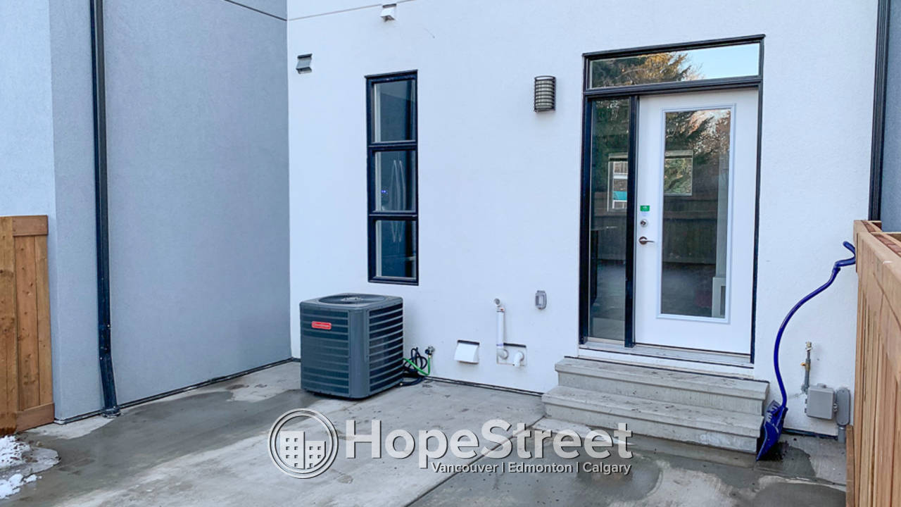 Brand New 3 Bedroom Townhouse for Rent in Queen Mary Park