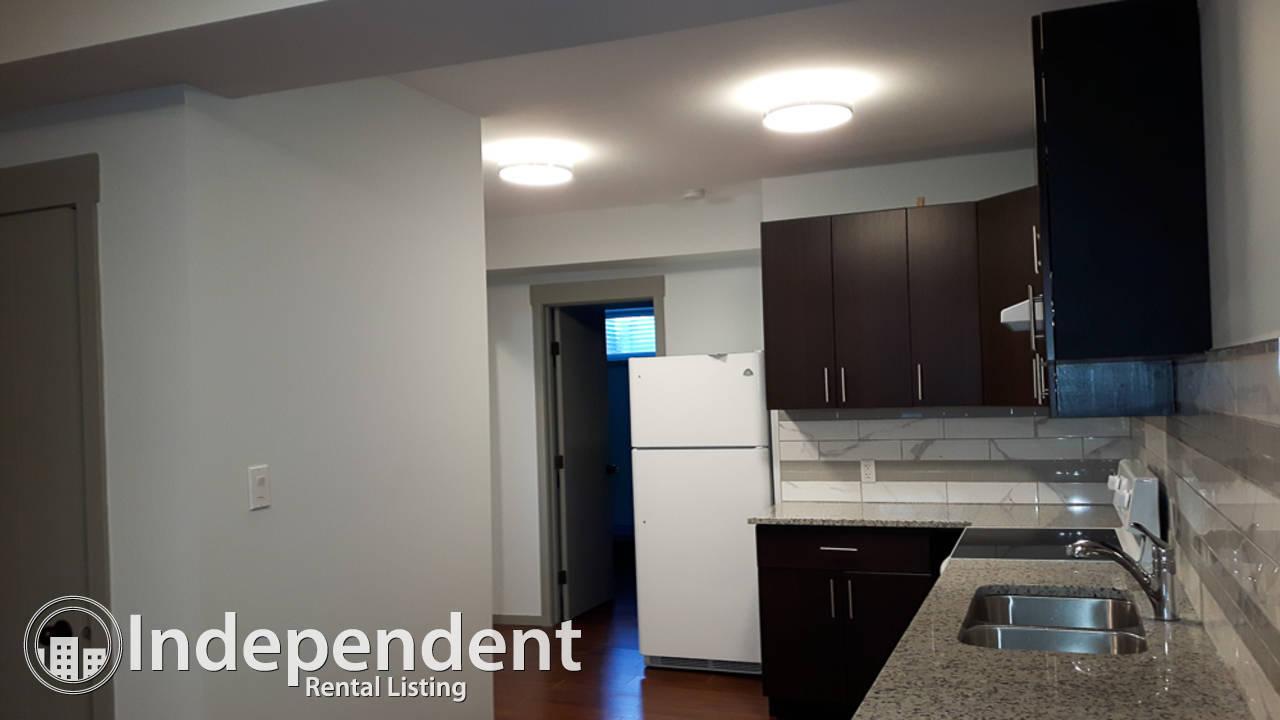 3 Bedroom Duplex for Rent in Elmwood Park: Pets Negotiable
