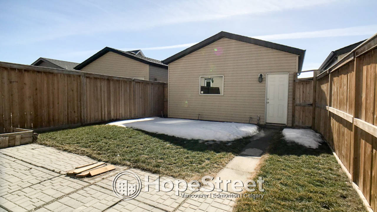 3 Bedroom Home for Rent in Skyview Ranch: Rest of July Free