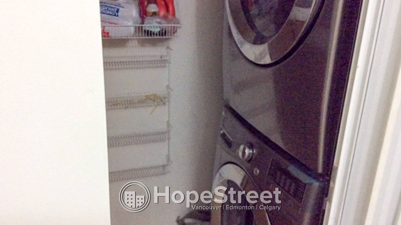 2 Bedroom Beautiful Condo for Rent: Close to Brewery District and Downtown