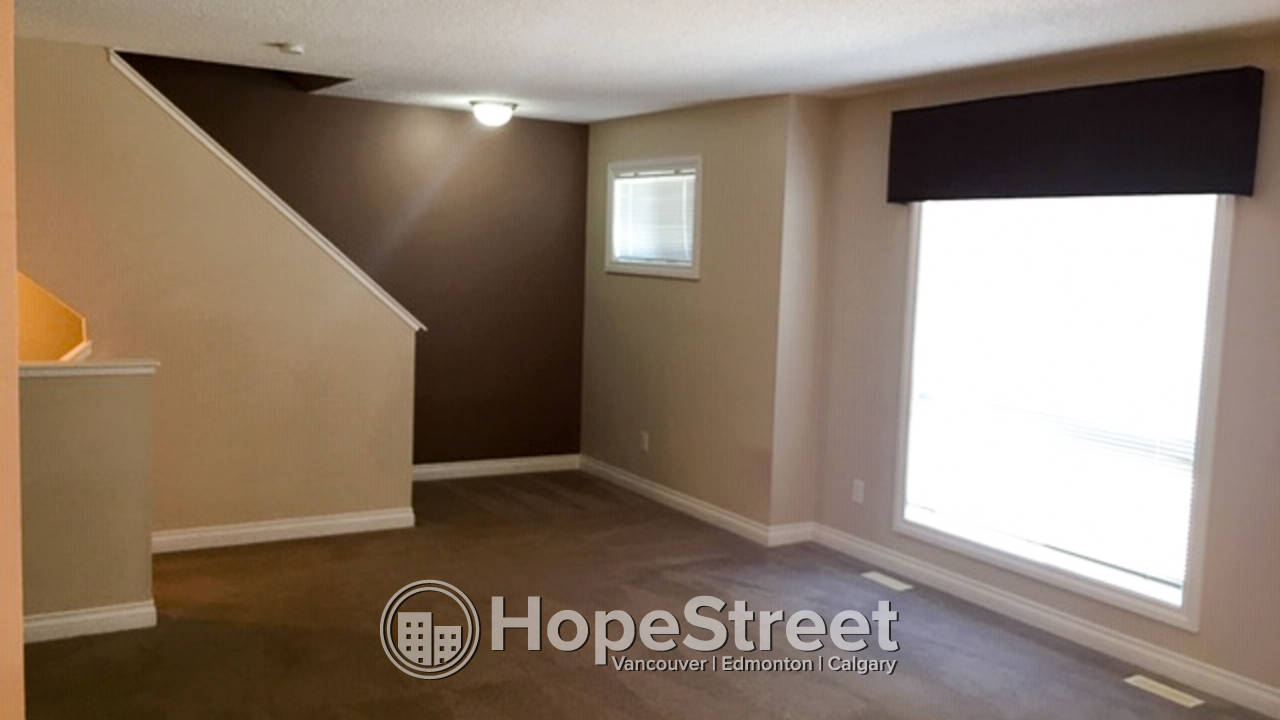 3 Bedroom Spacious Townhouse for Rent in Rutherford