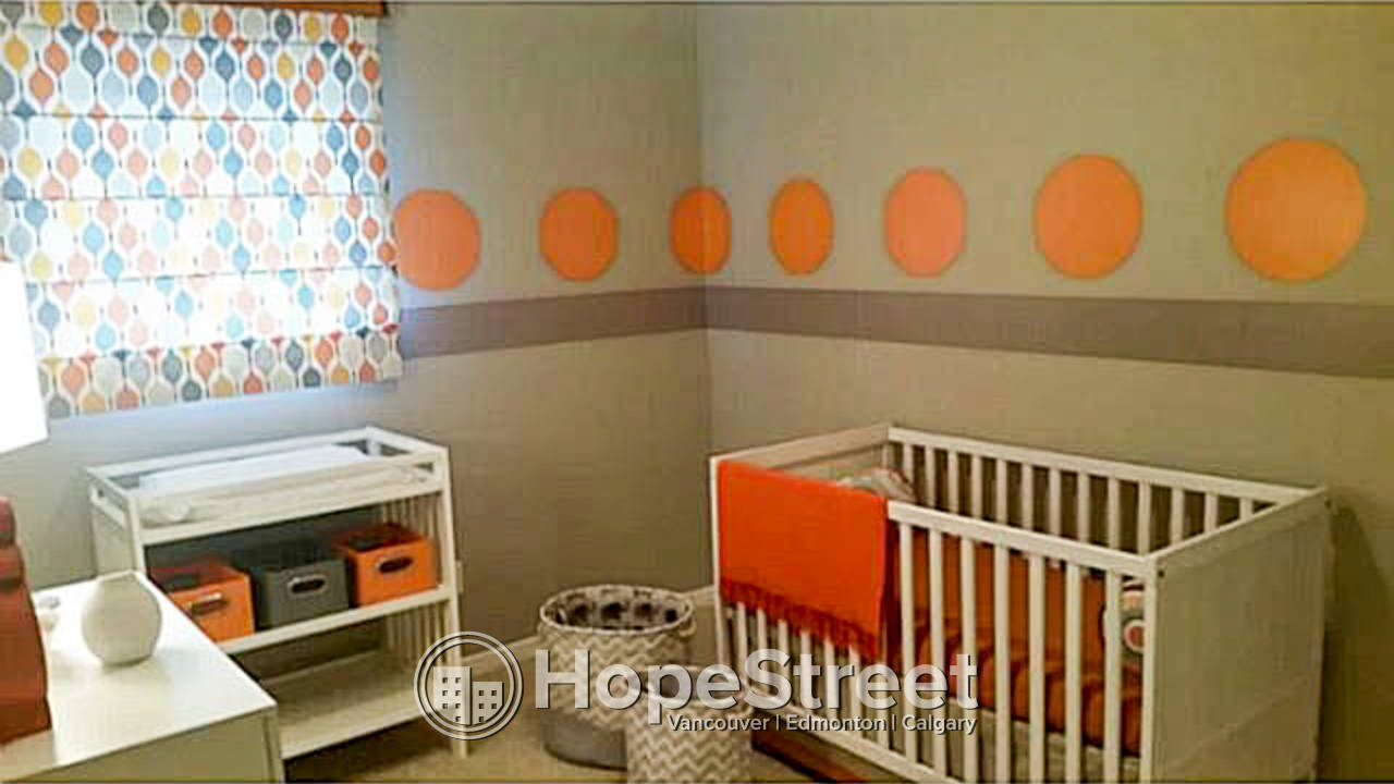 3 BR + BONUS Room/ Townhouse for Rent in Cameron Heights