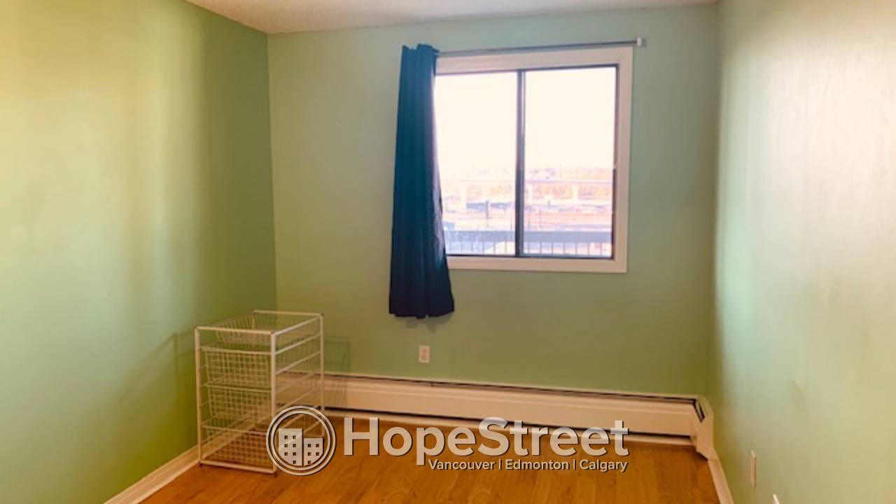 1 BR Condo with View: Pet Friendly/ UNDGR. PARKING./ HEAT & WATER INCL.