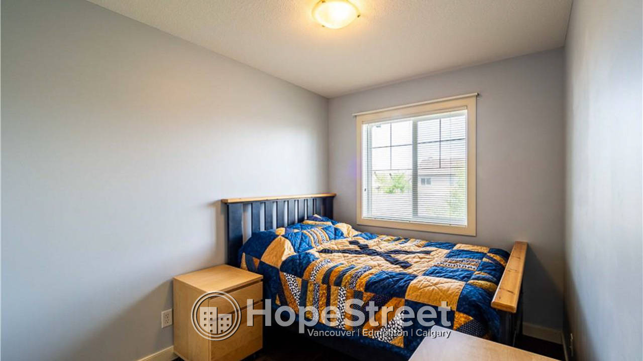 2 Bedroom Beautiful Townhouse for Rent in Evergreen