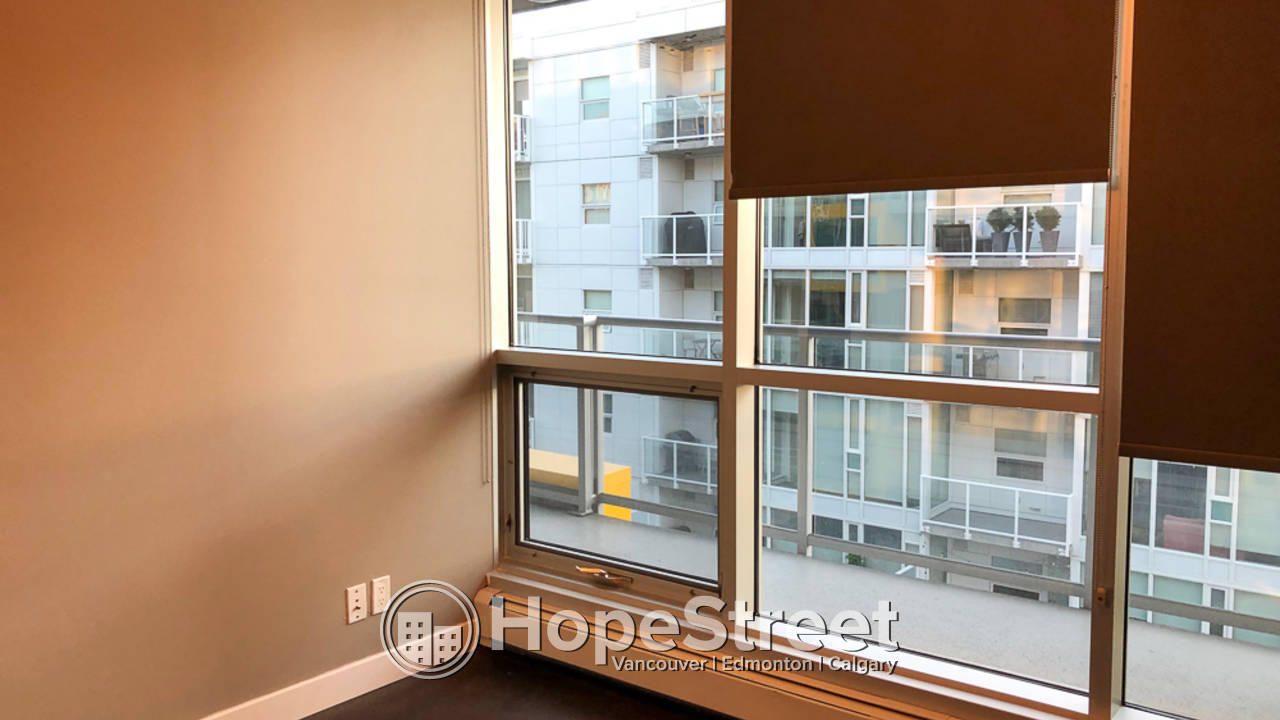 1 Bedroom + Den Modern Condo for Rent in Sunnyside