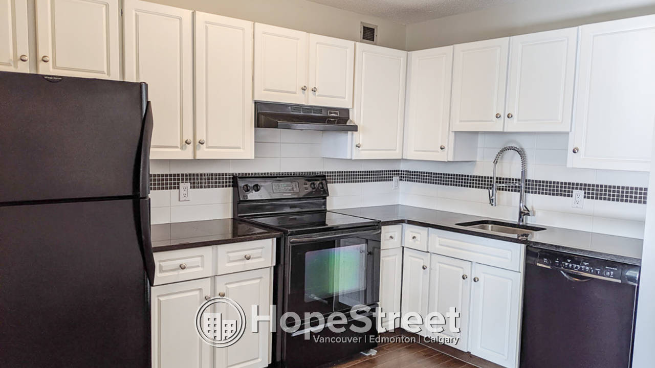 1 Bedroom Condo for Rent in Oliver: Heat and Water Included