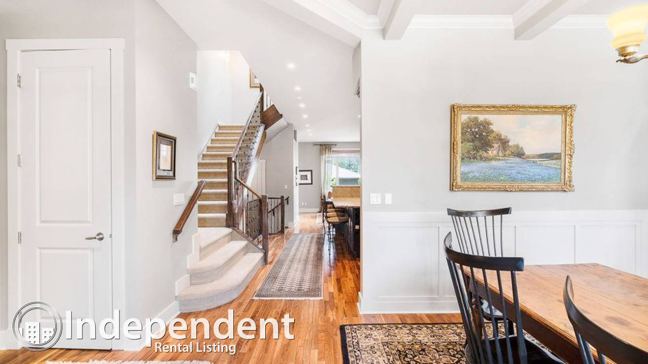 4 Bedroom Beautiful Duplex for Rent in Parkdale