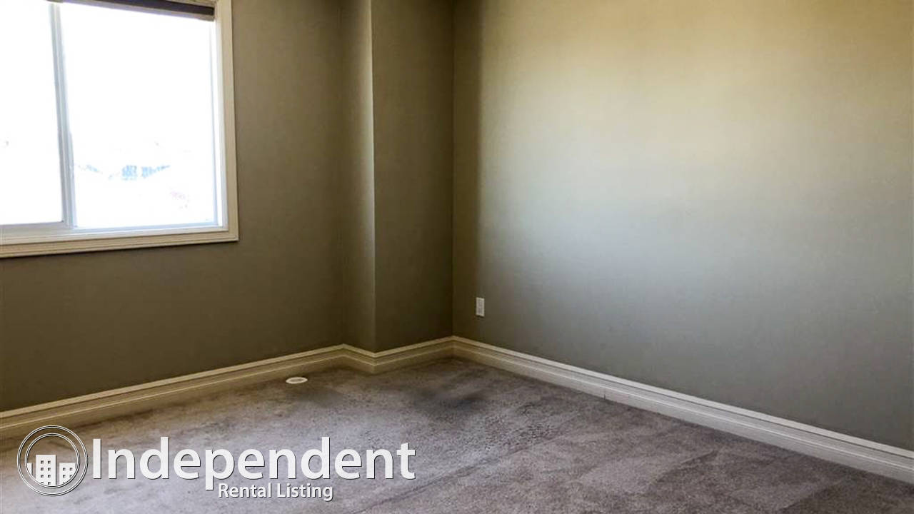 3 Bedroom Townhouse for Rent in Charlesworth