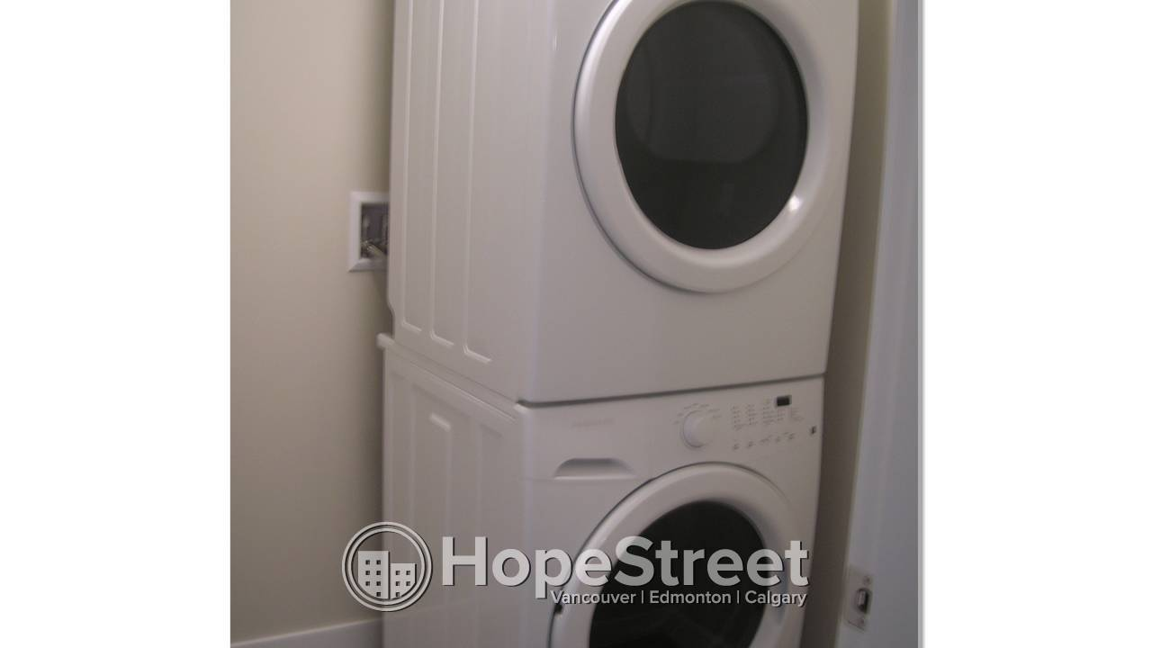 2 Bedroom Condo for Rent in East Village w/ Underground Parking