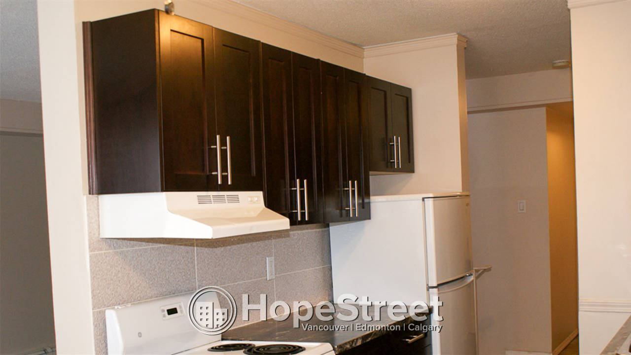 2 Bedroom Beautiful Condo For Rent in Inglewood: FIRST MONTH RENT FREE