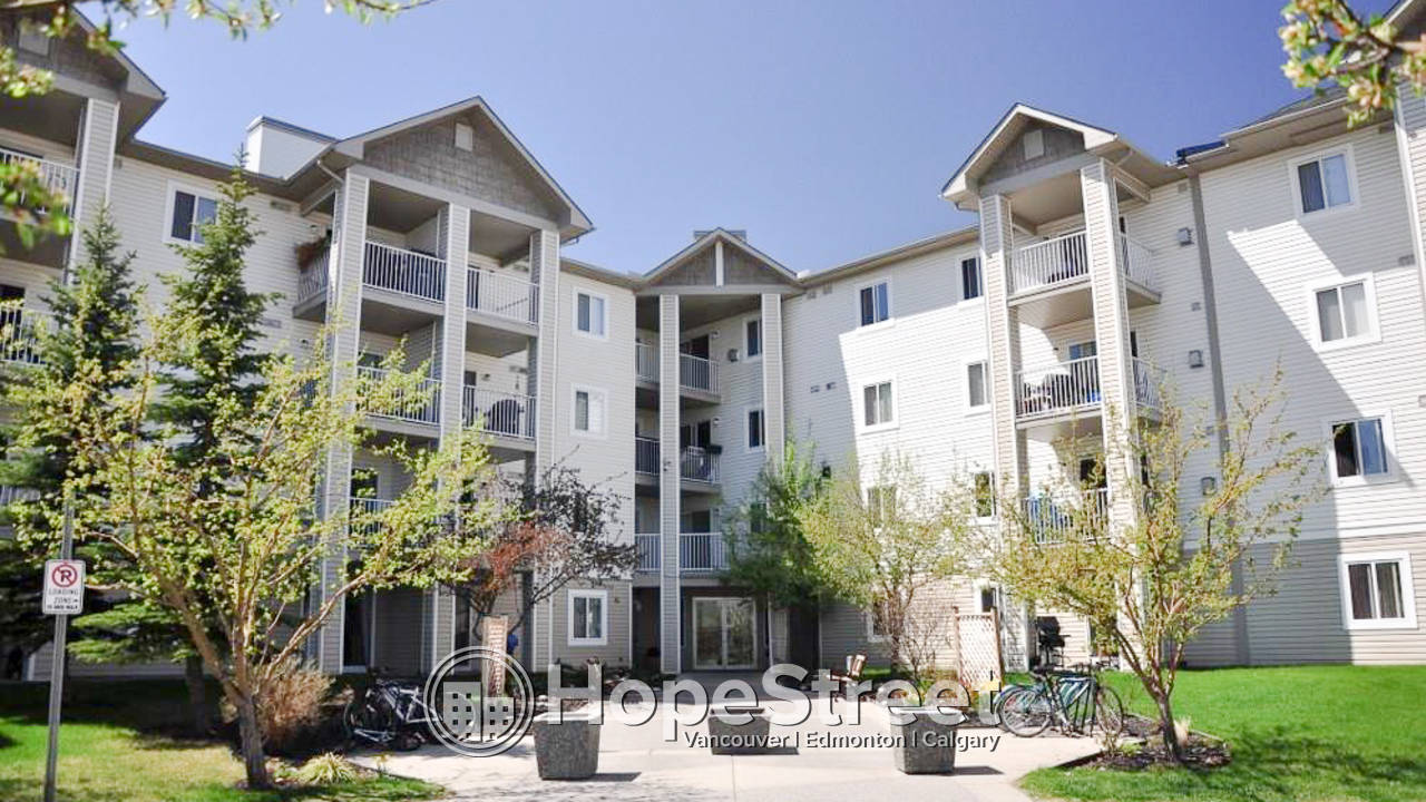 2 Bedroom Condo for Rent in Penbrooke Meadows: Furnished