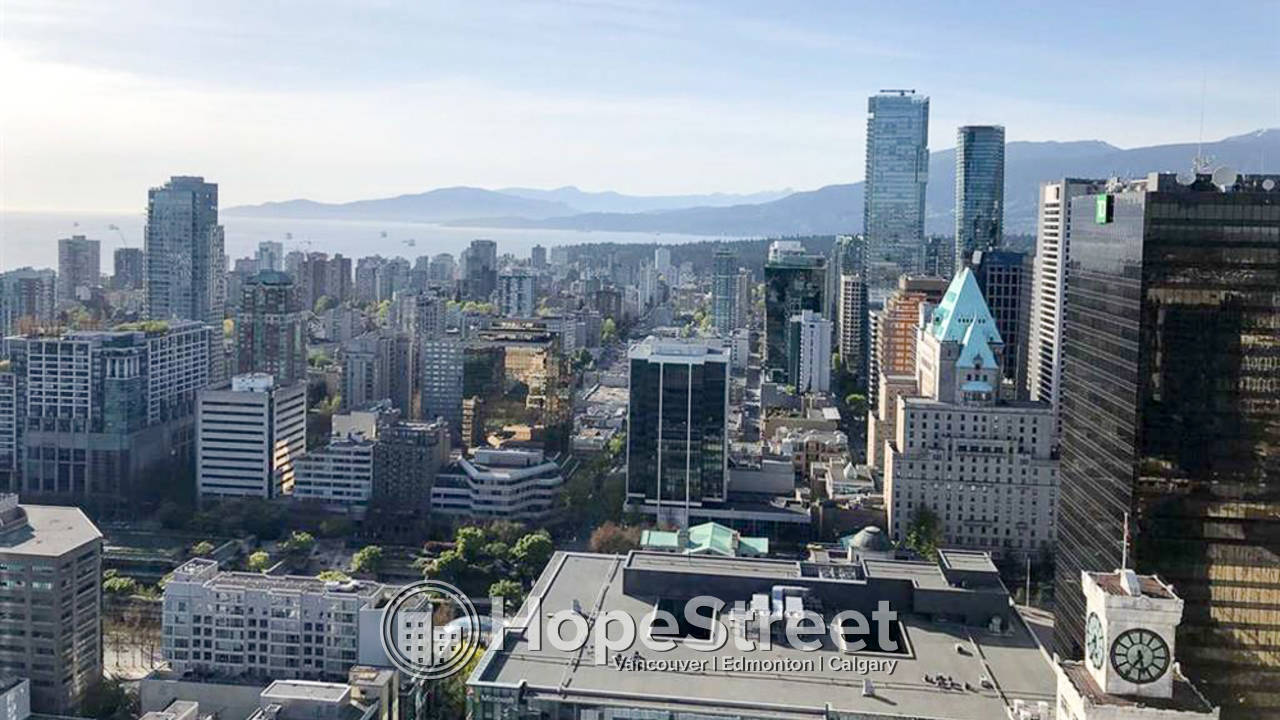 3 Bedroom + Den Condo for Rent in Downtown (Vancouver)