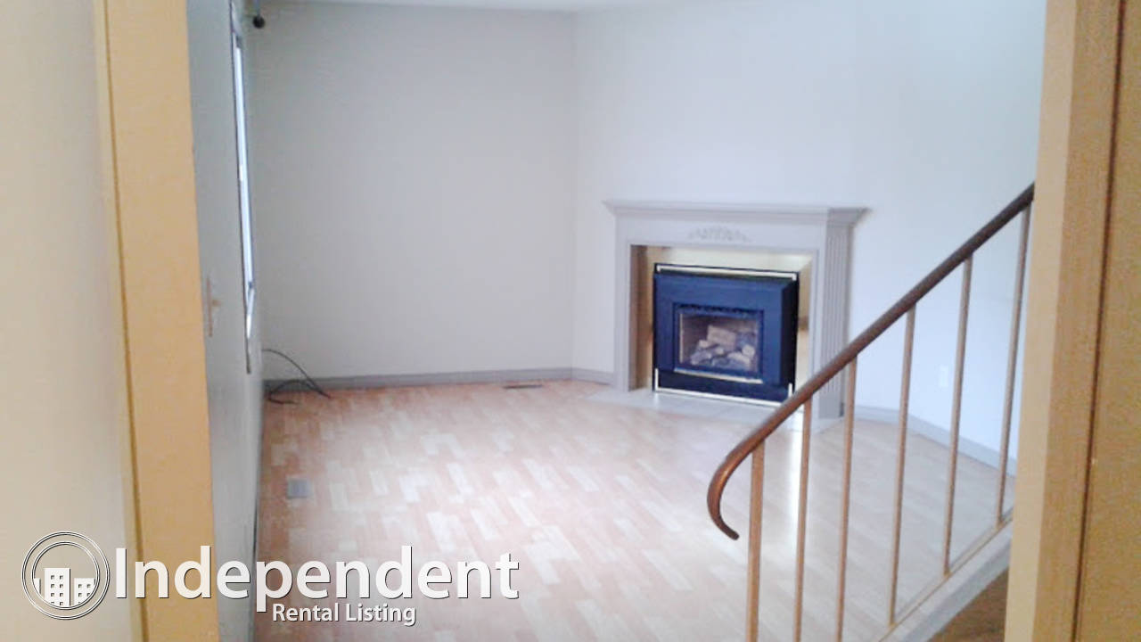 3 Bedroom Townhouse for Rent in Brander Gardens: 2 MONTHS FREE RENT (2nd and 3rd month))