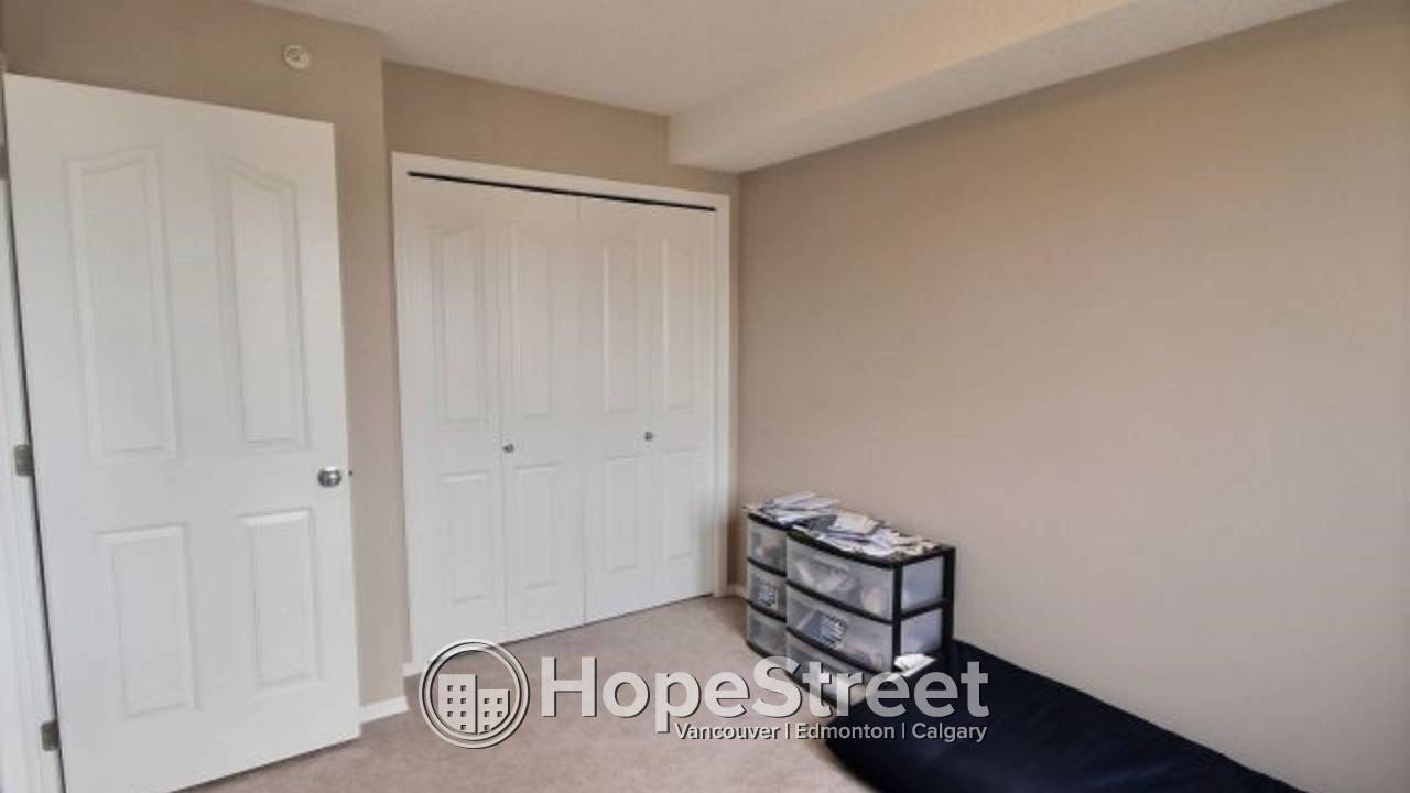 2 Bedroom Condo for Rent in Rutherford: Incentives for Immediate Move In