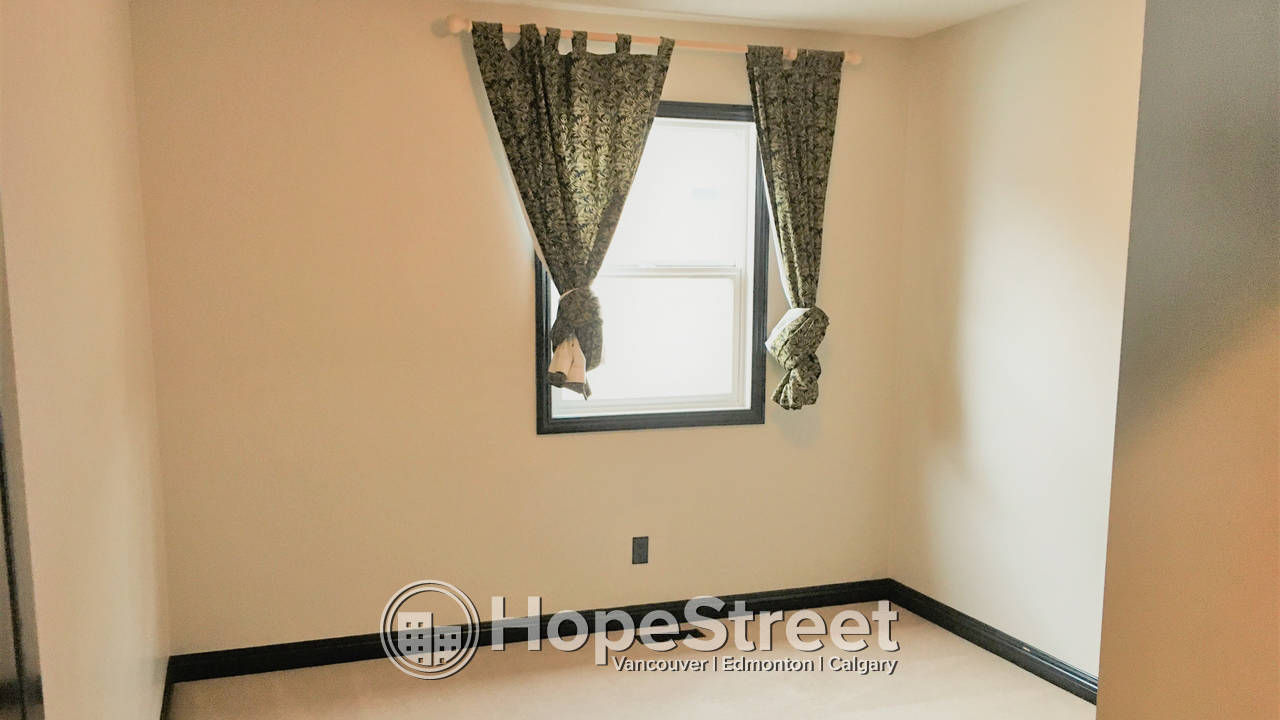 3 Bedroom House For Rent in Cranston