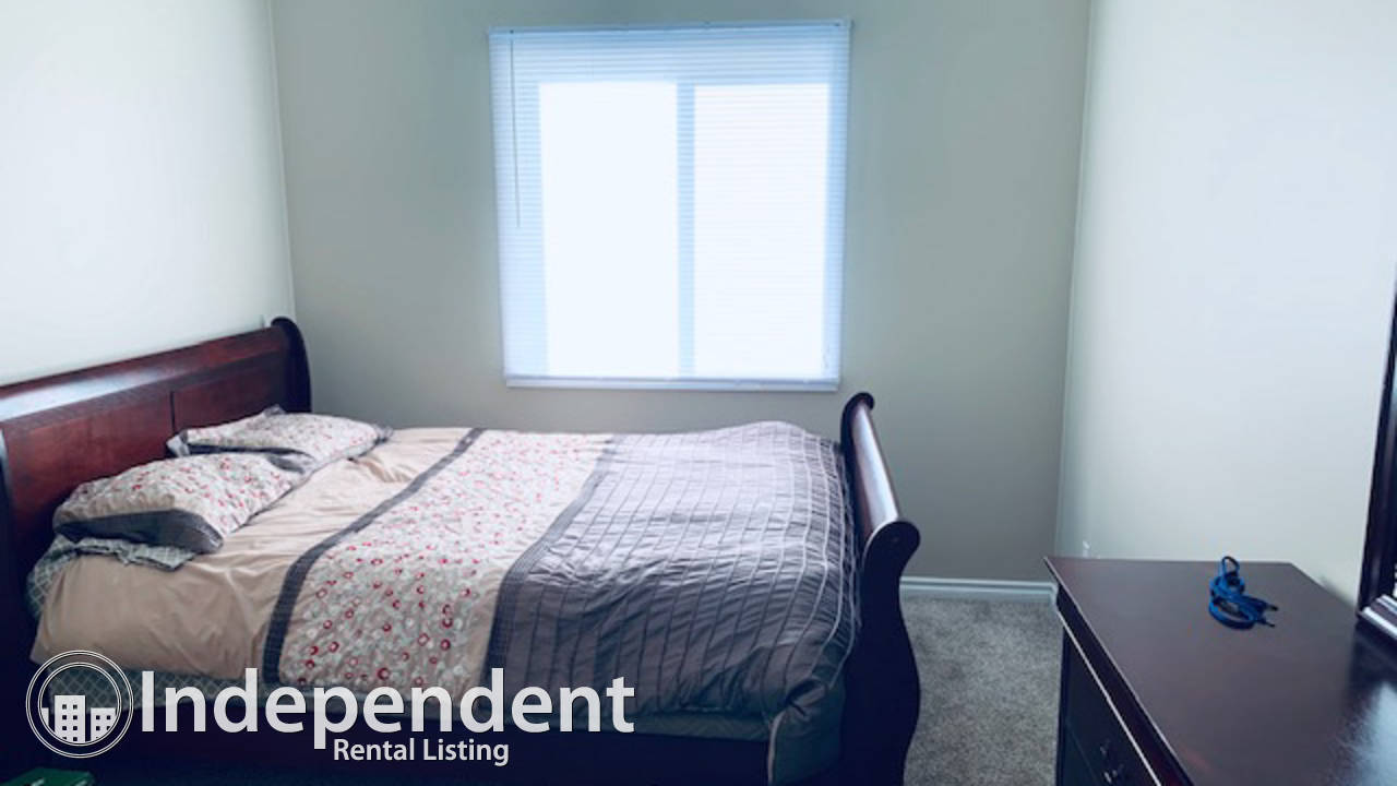 2 Bedroom Condo for Rent in Bonnie Doon : Adult Only (45+)