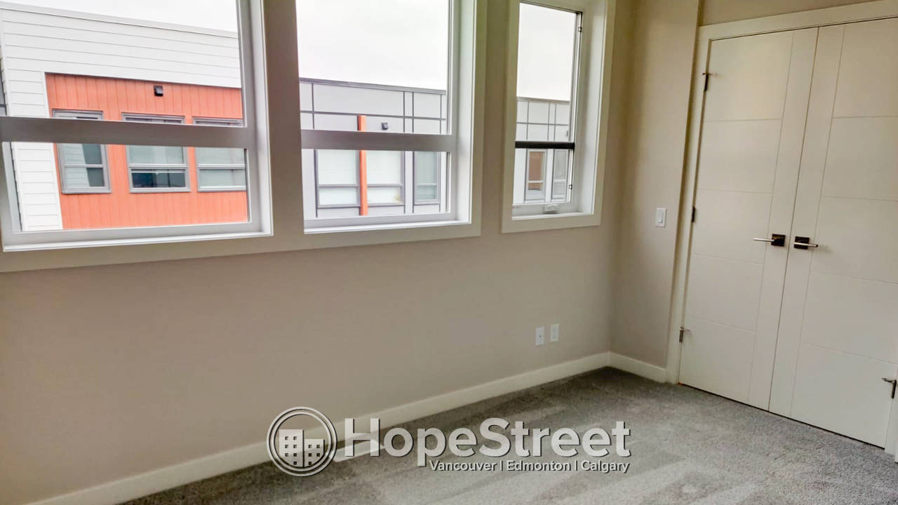 2 Bedroom Brand New Townhouse for Rent in University District: December Rent Free