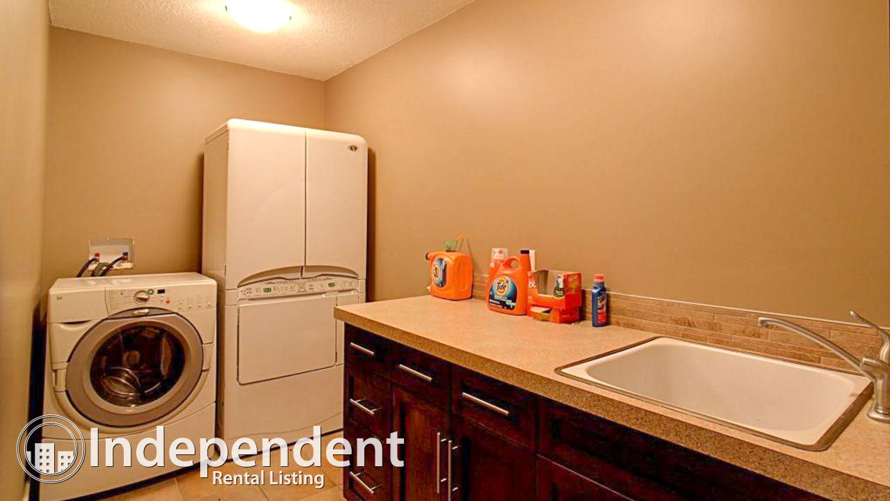 3 Bedroom Beautiful House for Rent in Varsity Estates: Pet Friendly