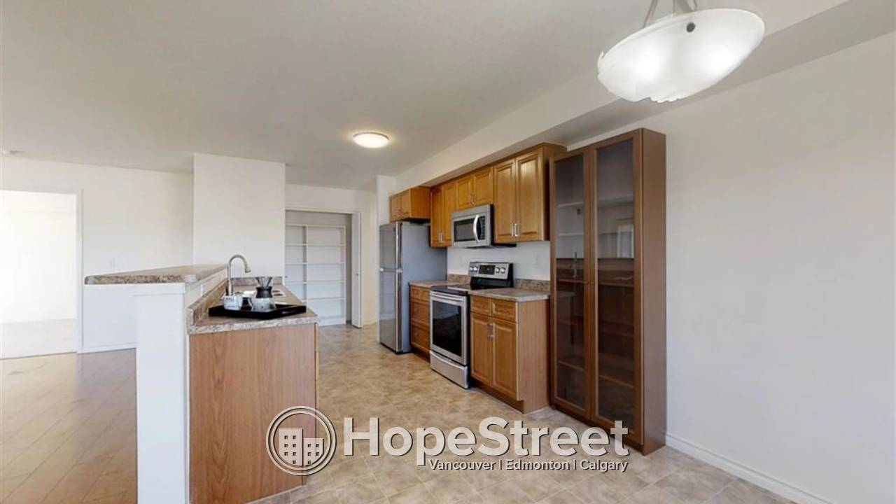 2 Bedroom Condo for Rent in Glastonbury : Adult Only Building (18+)