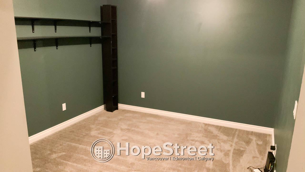 3 Bedroom Renovated Townhouse For Rent in Millwoods: February FREE RENT