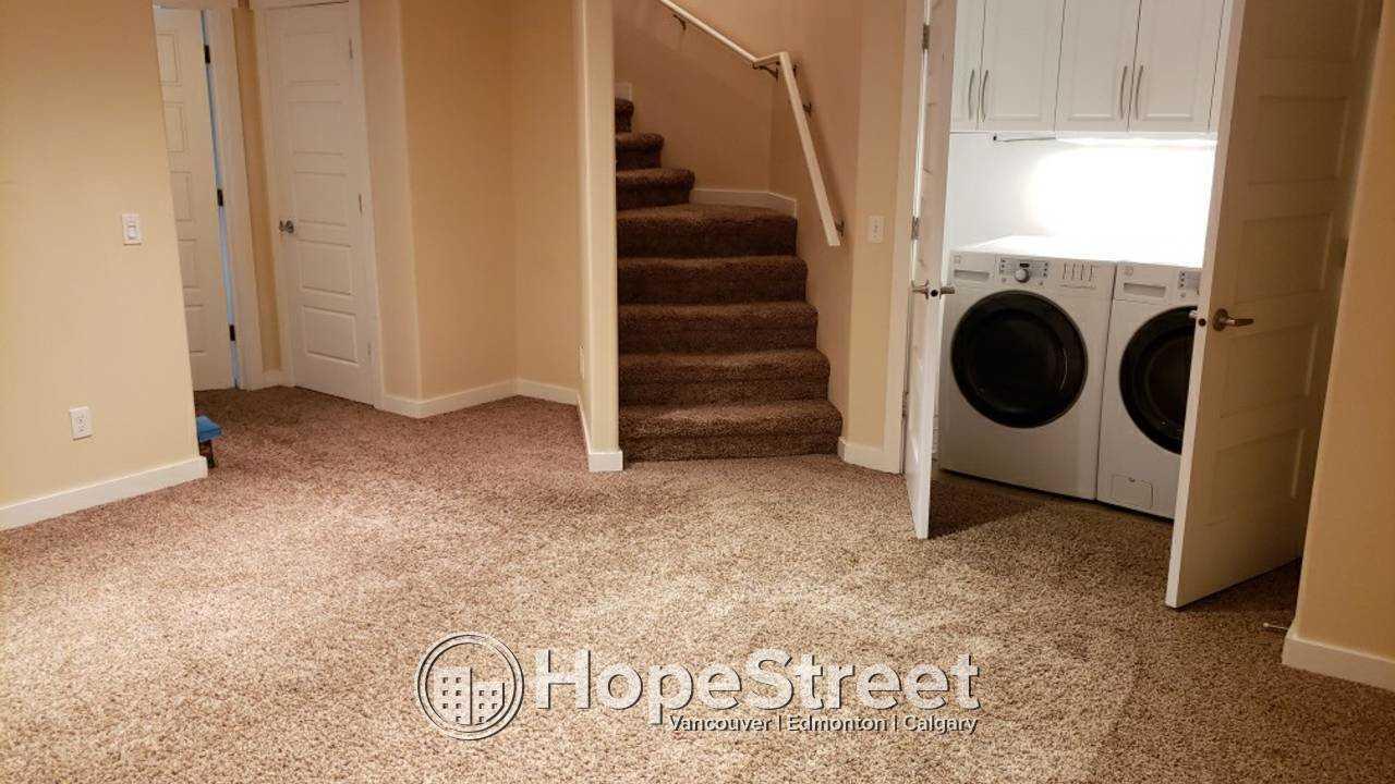 4 Bedrooom Duplex for Rent in Ellerslie