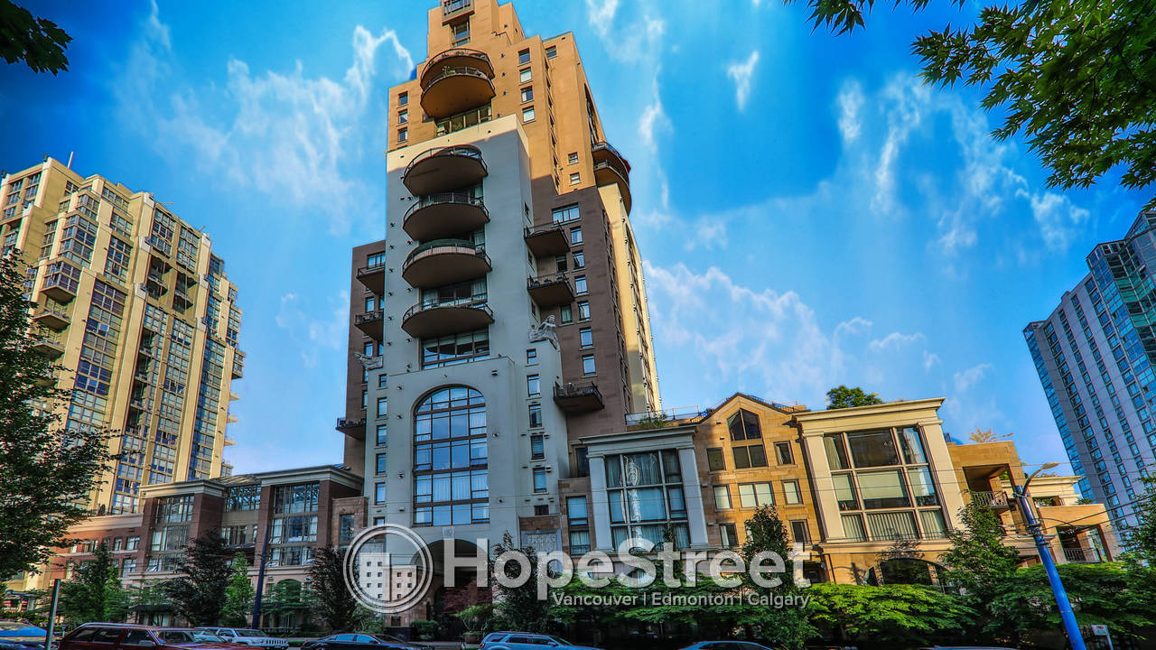3 Bedroom Gorgeous Furnished Apartment for Rent in Downtown!