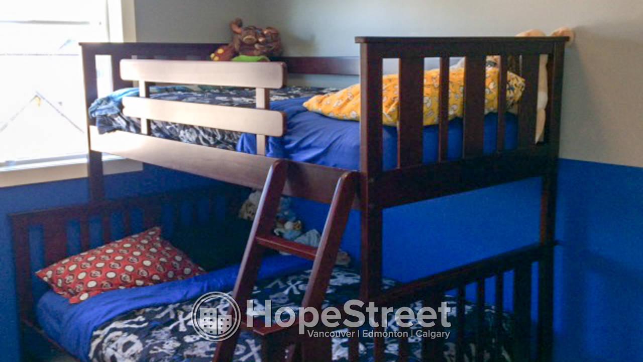 3 Bedroom Townhouse in Okotoks