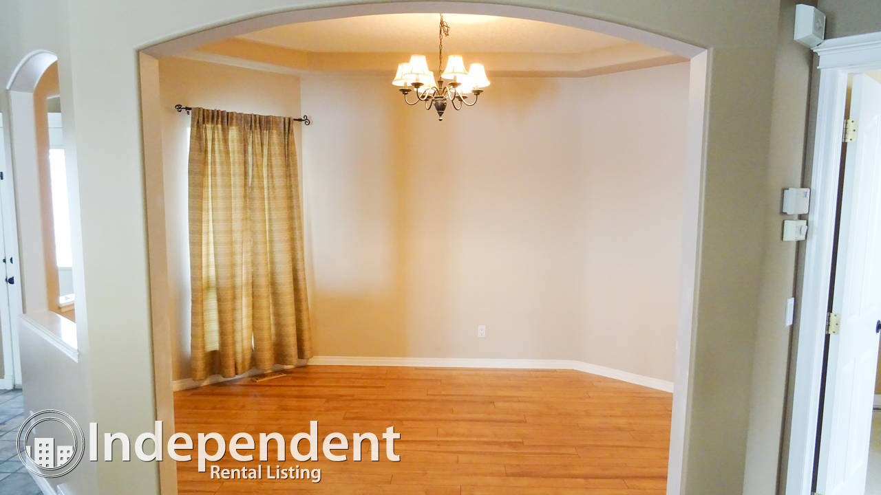 4 Bedroom House for Rent in Royal Oak: MAY RENT FREE