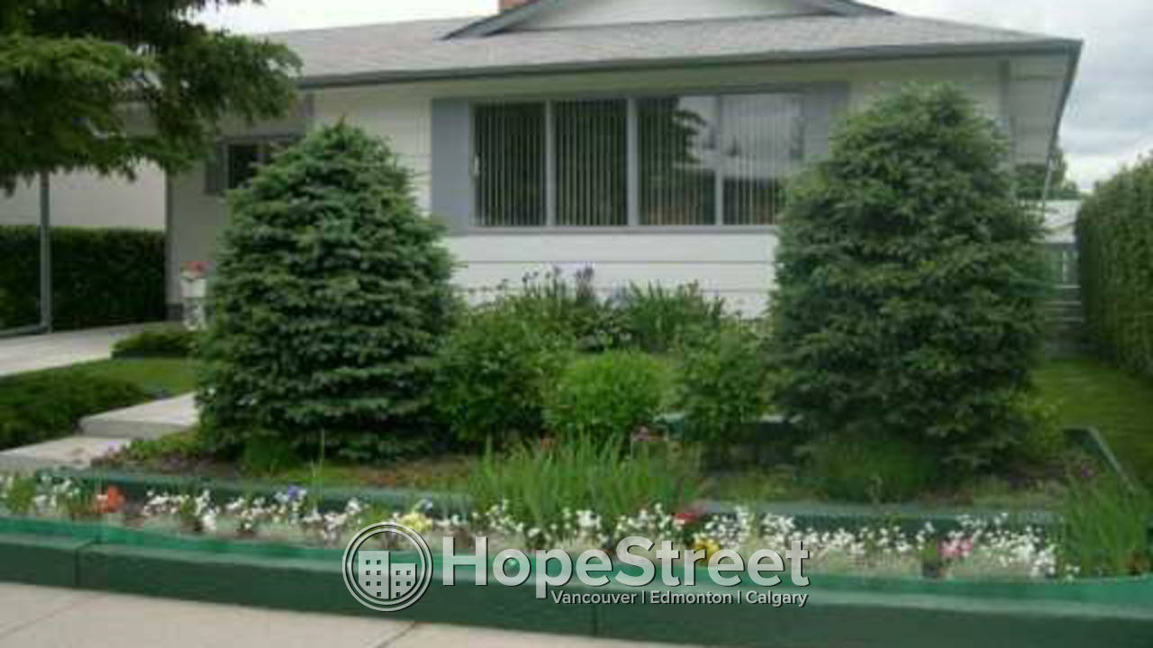 4 Bedroom House for Rent in Braeside: FIRST MONTH RENT FREE