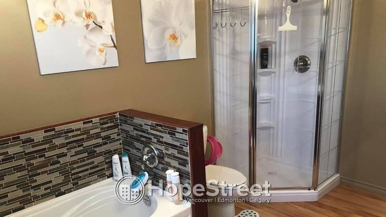 4 Bedroom House for Rent in St. Albert: Pets Negotiable