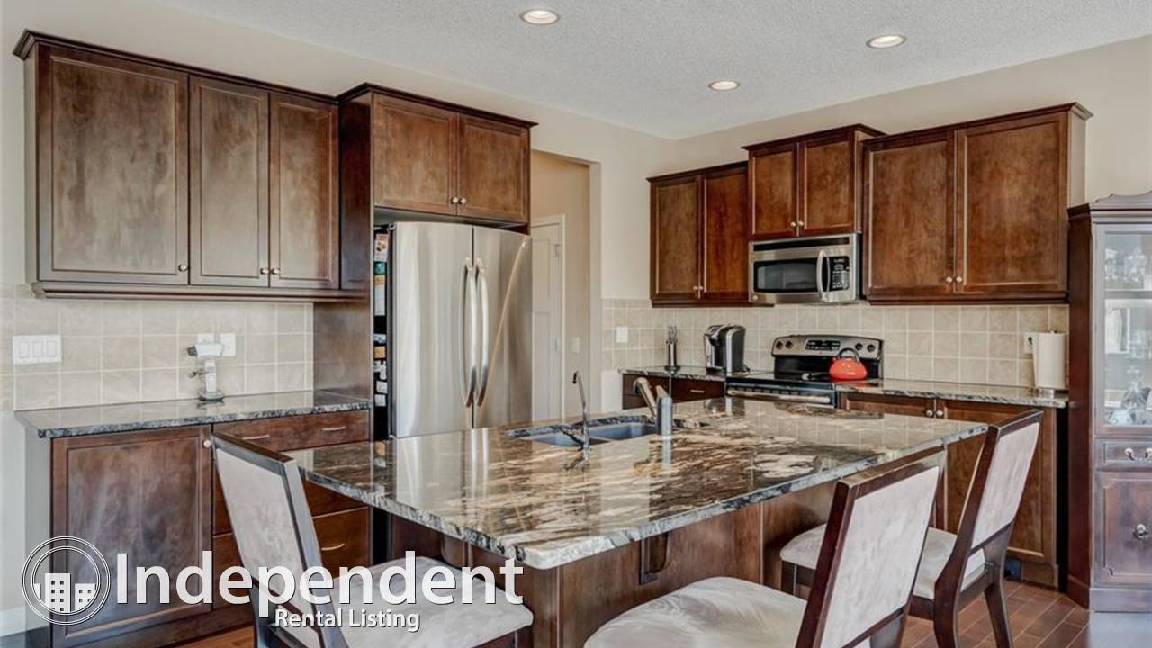 BEAUTIFUL CHAPARRAL VALLEY ESTATE HOME WITH GOLF COURSE VIEWS.