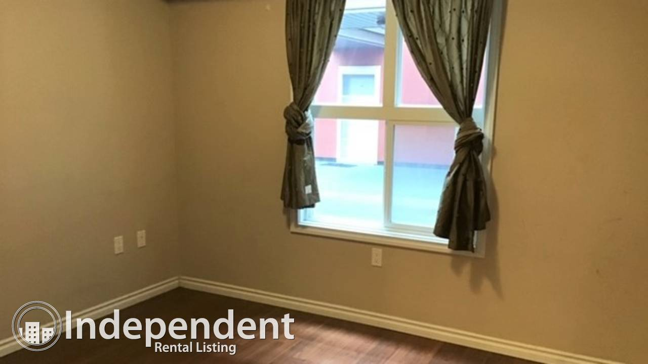 1 BED + Den Condo for Rent in Downtown