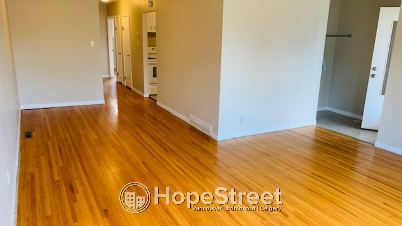 2 Bedroom Main Floor Suite For Rent in Glenbrook: Utilities INCLUDED!