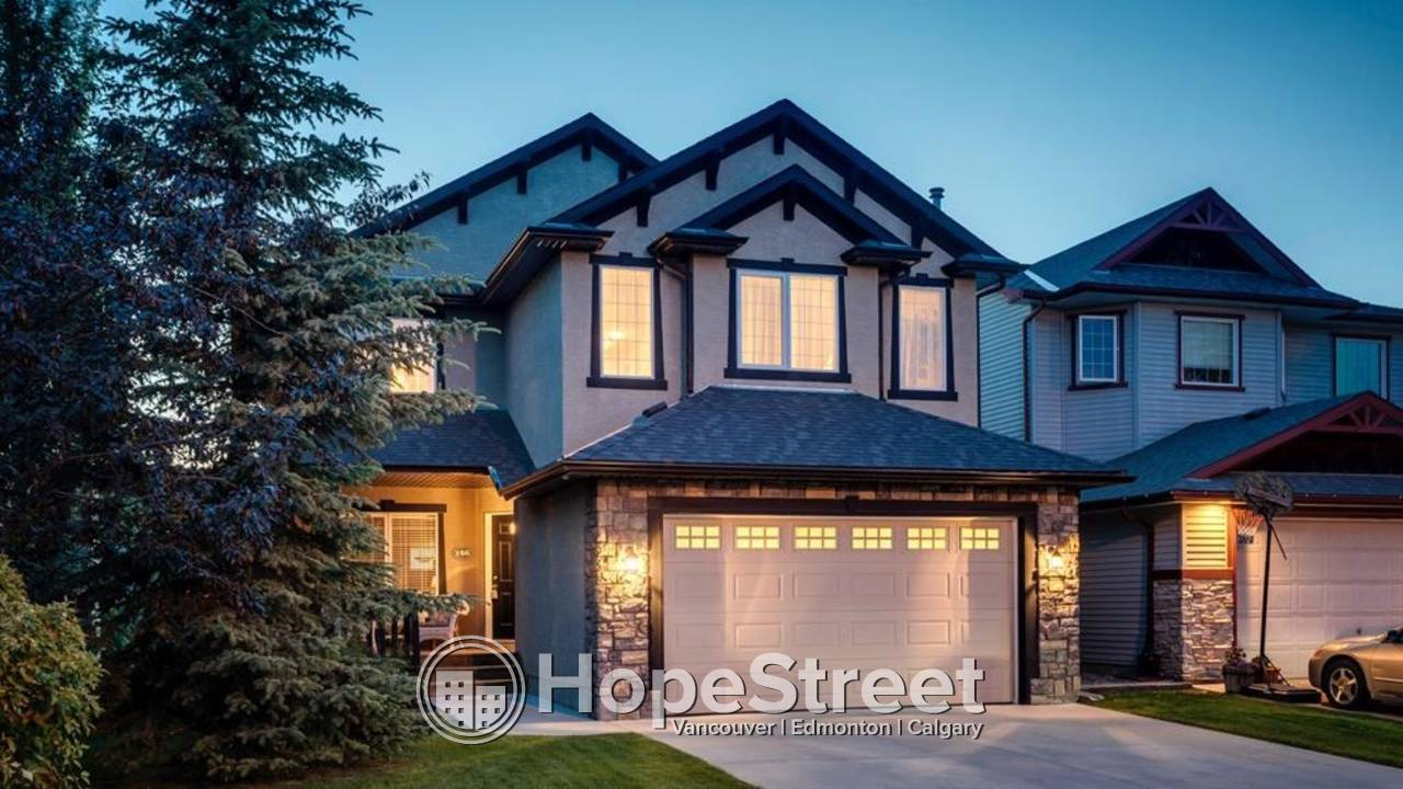 3 Bedroom Beautiful House in a the popular Cougar Ridge Community