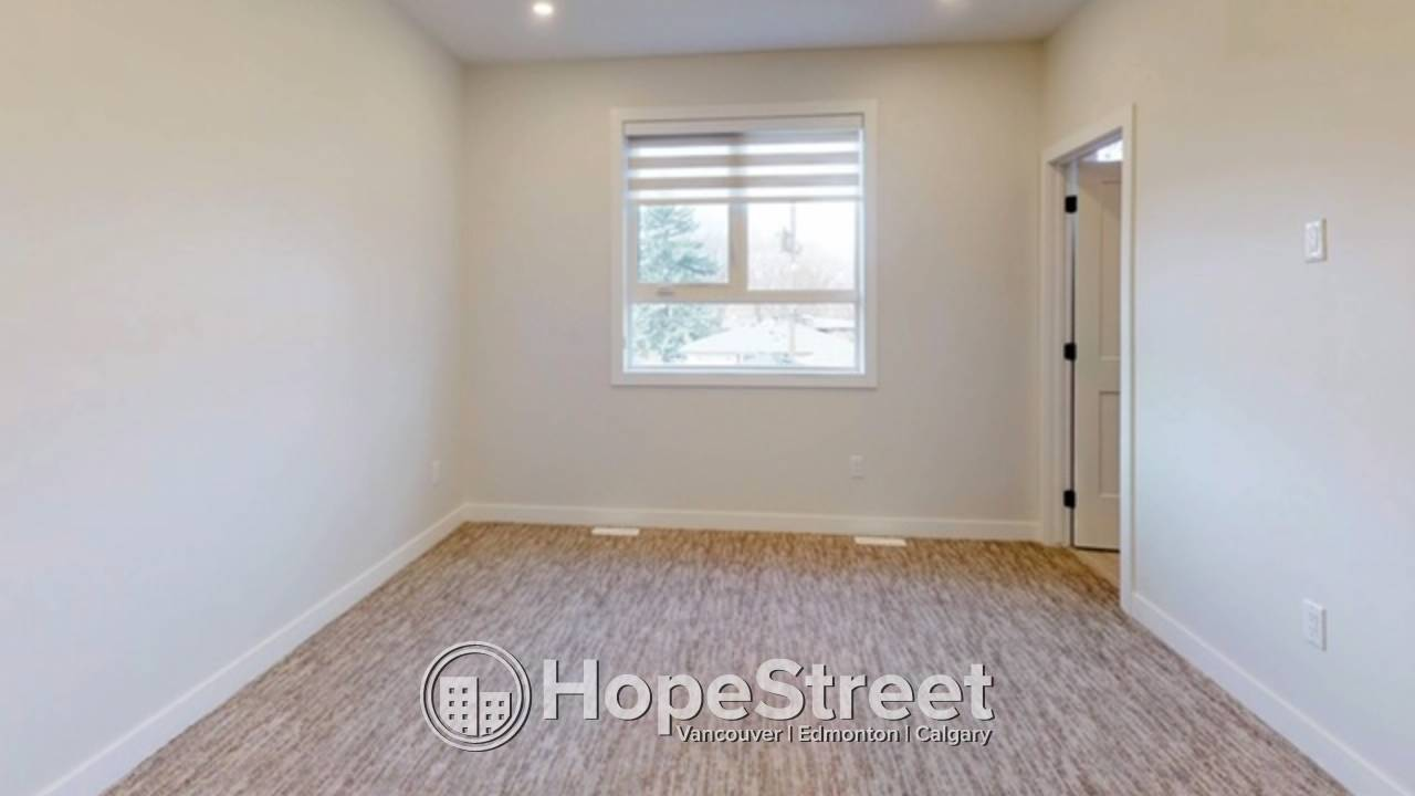 4 Bedrooom IMMACULATE House for Rent in Holyrood