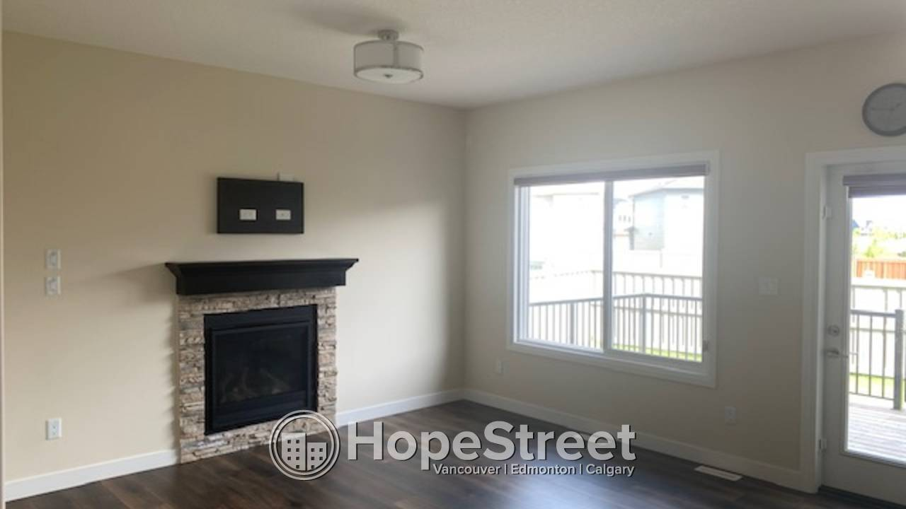 3 Bedroom UPPER LEVEL for Rent in Chappelle: Pets Negotiable