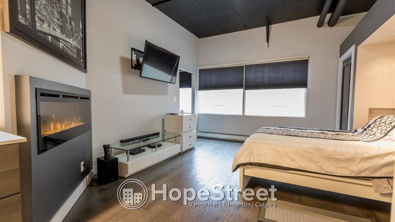 FANTASTIC 1 BD CONDO For Rent in Downtown