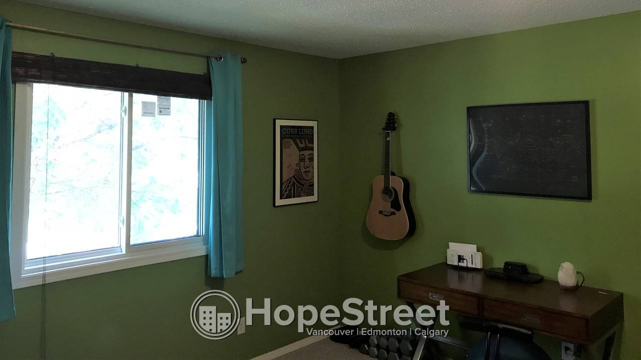 4 Bedroom Charming Home for Rent in Airdrie
