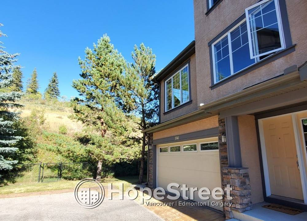 104 - 10 Discovery Ridge Hill SW, Calgary, AB - $2,400